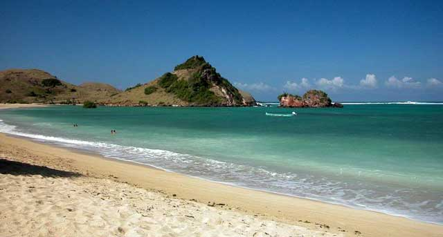 tempat wisata di lombok pantai kuta