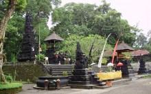 Kawasan Wisata Pura Suranadi Lombok