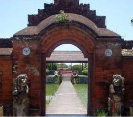 Pura Taman Mayura Lombok