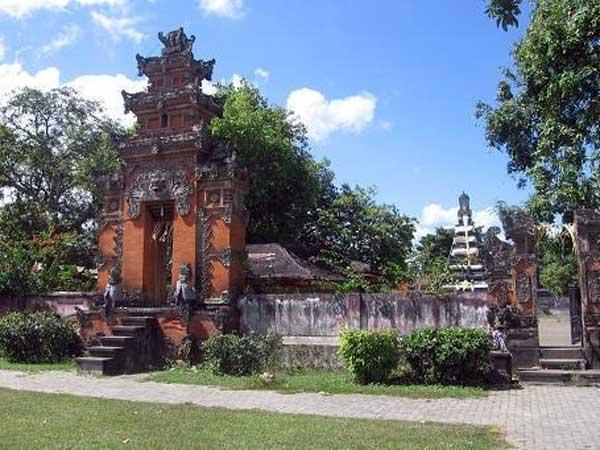 Pura Narmada, Lombok