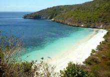 Sejengkal Pantai di Sisi Barat Tanjung Ringgit Lombok Timur